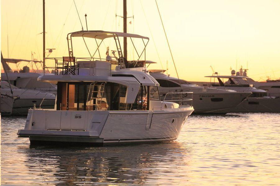 BENETEAU SWIFT TRAWLER 35 inboard