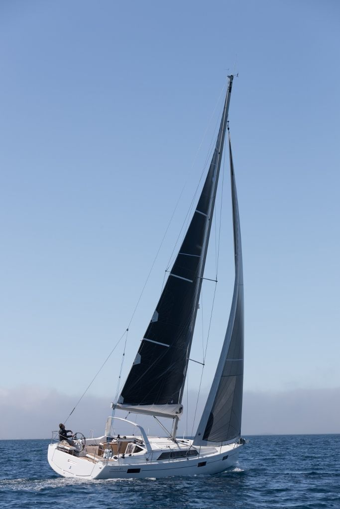 photo - OCEANIS 41.1