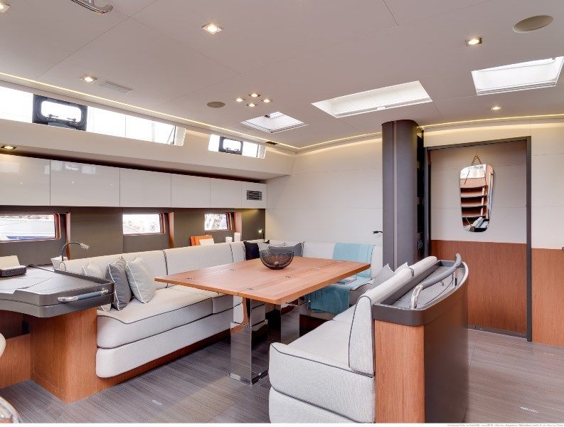 photo - OCEANIS YACHT 62