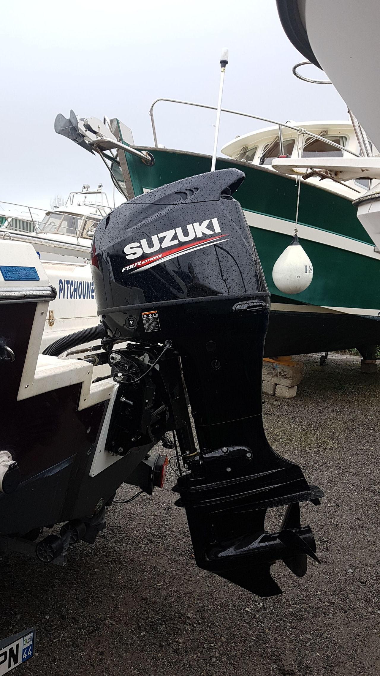 photo - WHITE SHARK 206