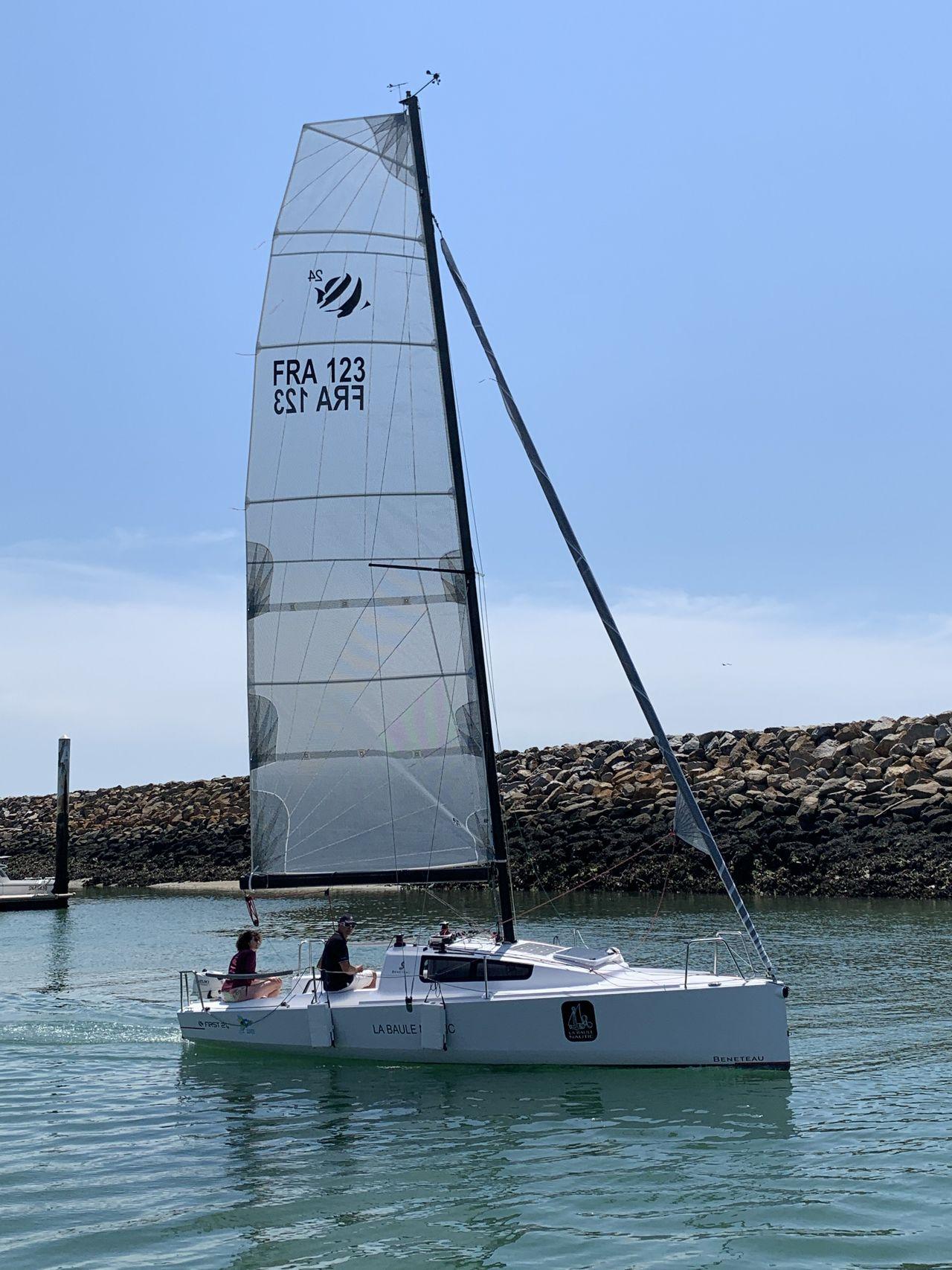 bateau voiliers occasion beneteau oceanis 37 en vente  u00e0