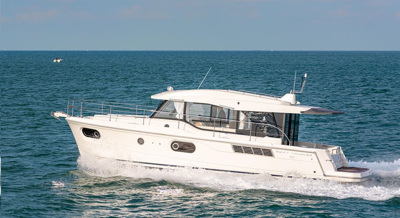 photo - SWIFT TRAWLER 41 SEDAN