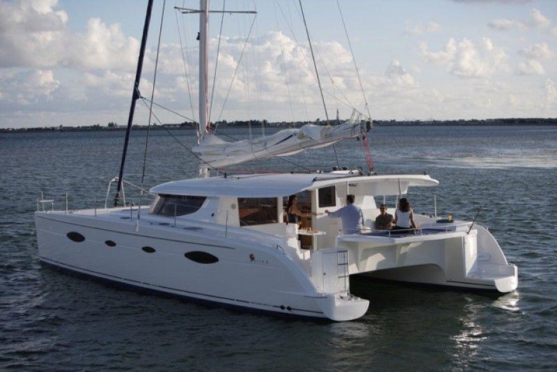 bateau catamarans neuf fountaine pajot salina 48 evolution