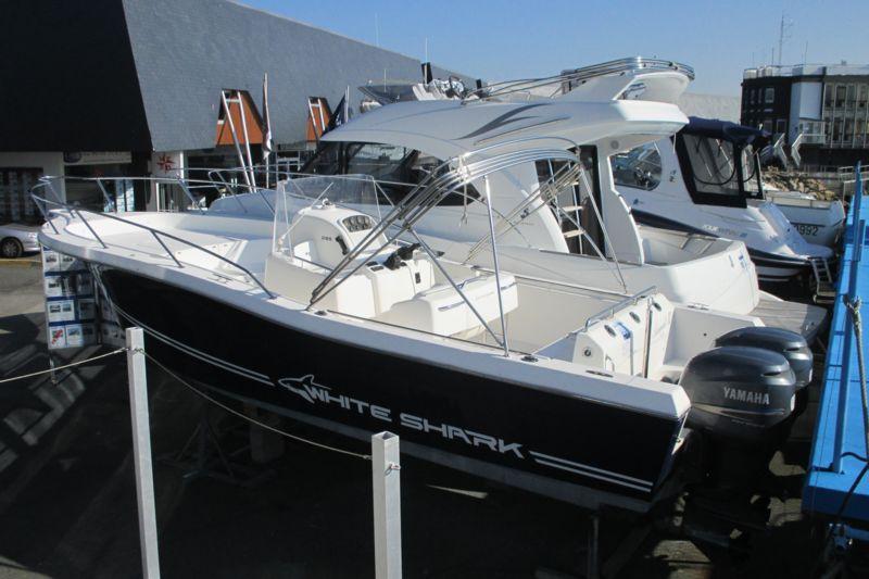 photo - WHITE SHARK 285